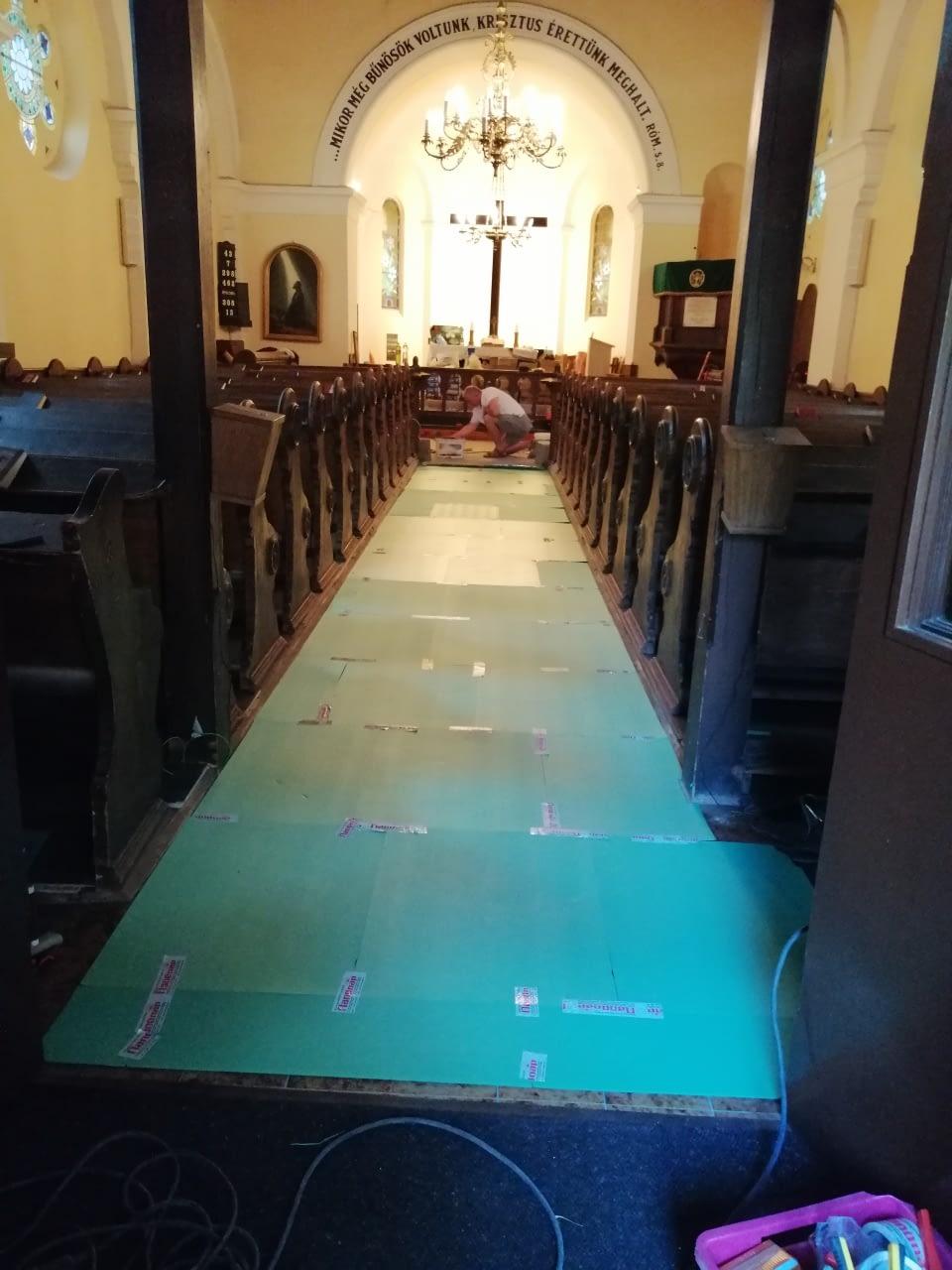 Infra padlófűtés korszerűsítés Evangélikus egyház Szeged (4)