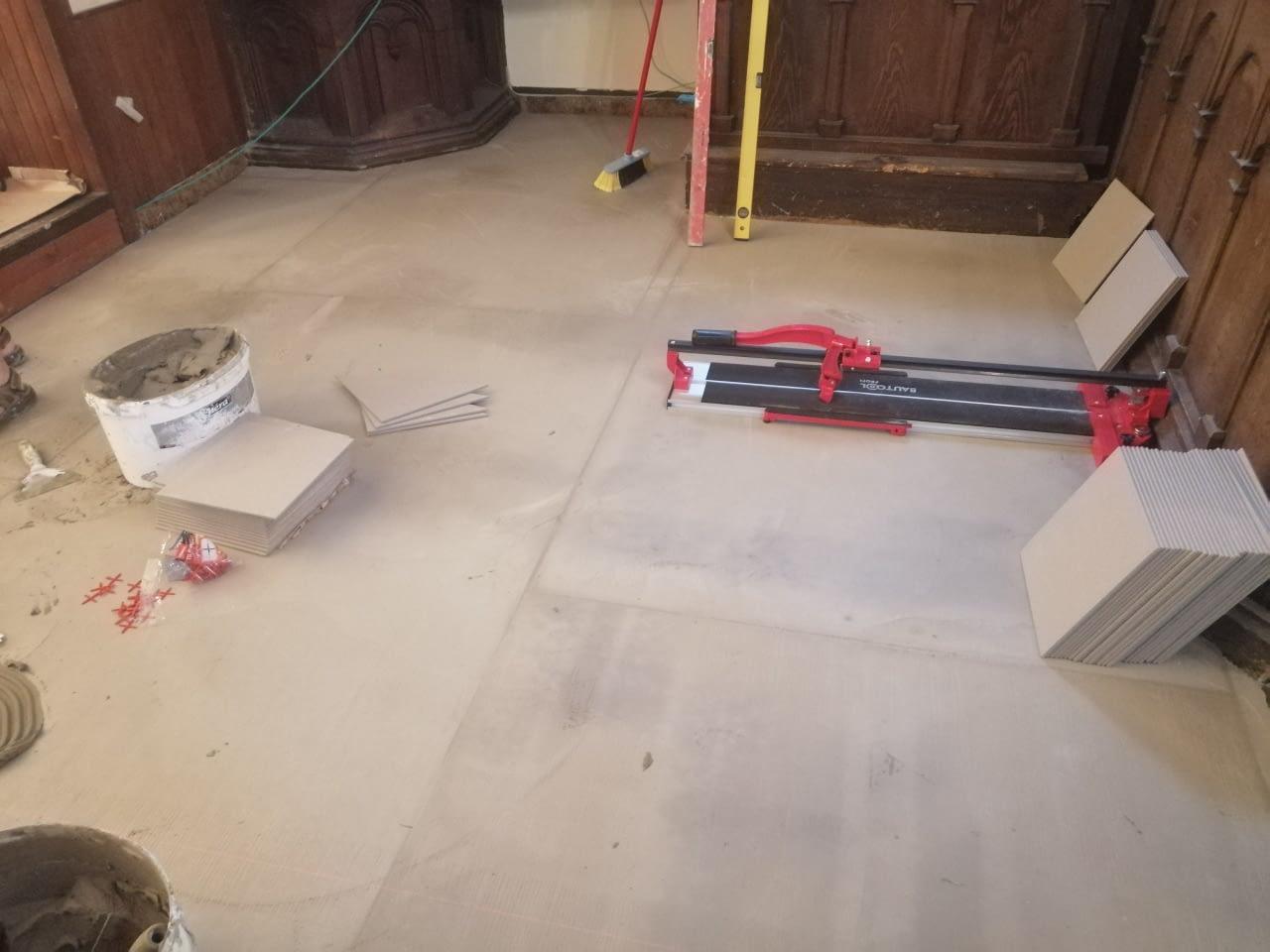 Infra padlófűtés korszerűsítés Evangélikus egyház Szeged (6)